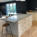 Central island unit and breakfast bar